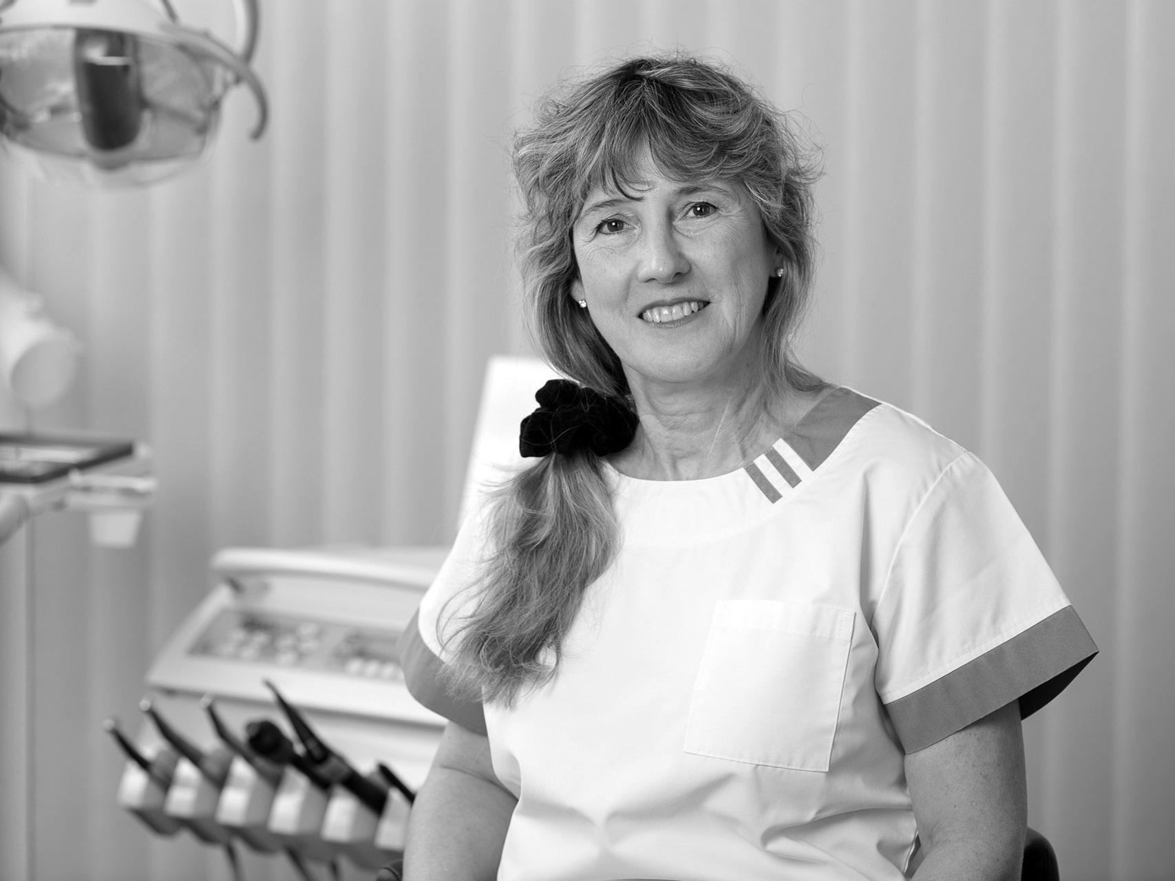 Christina Zweifel, Zahnärztin
